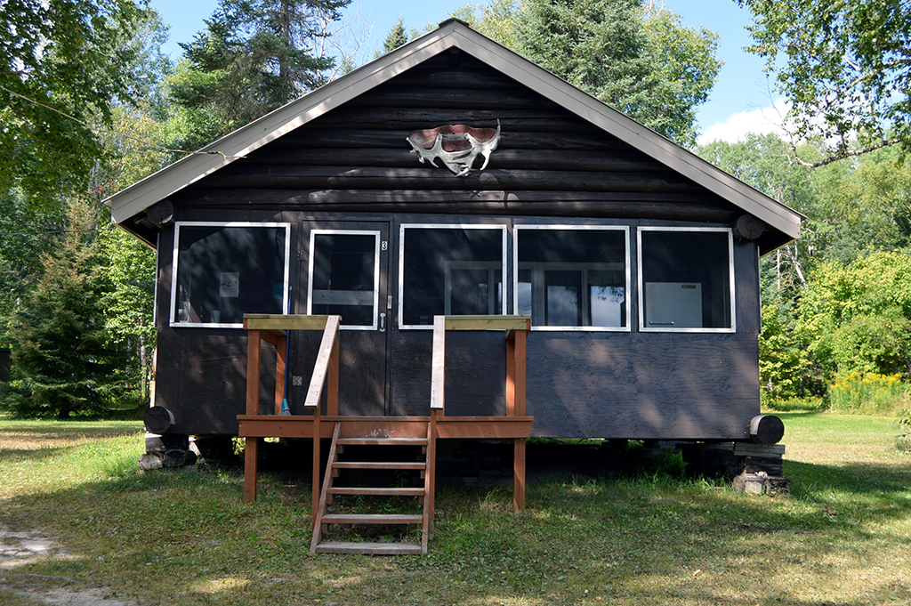 Ghost River Lodges - Sturgeon River Cabin 3