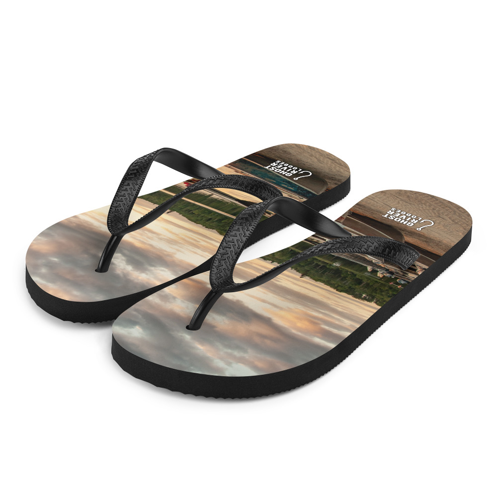Ghost River Lodges - Flip Flops - Boats